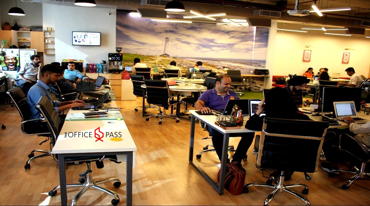Members seating @ The Office Pass (TOP), Sohna Road, Gurgaon