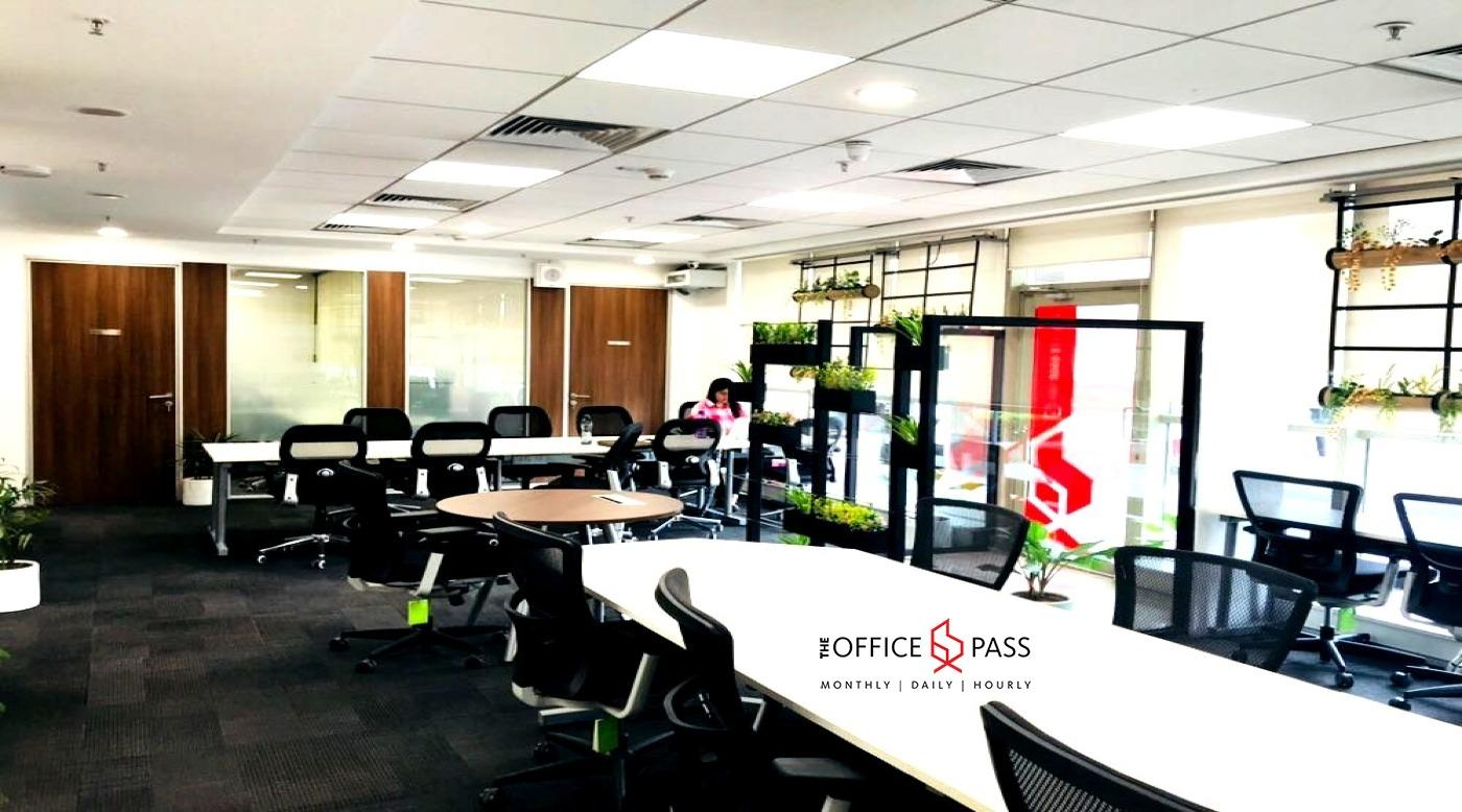 Members area @ Coworking Office Unitech Cyber Park, Sector-39 - The Office Pass (TOP)